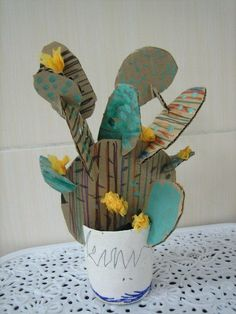 Cardboard cactus art and design for kids cactus art си Kids Crafts, Arts And Crafts, Art Crafts, 3d Art Projects, Family Art Projects, Art Et Design, Diy Design, Cardboard Art, Cardboard Design