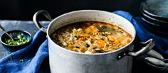 Kaalikeitto on helppo ja edullinen keitto. Keittoon sopii hyvin myös naudan- tai lampaanjauheliha. Noin 0,85€/annos. Frugal Meals, Frugal Recipes, Whole Food Recipes, Chili, Curry, Keto, Cooking, Ethnic Recipes, Plant Based
