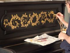 Pigmentti are award-winning decorative artists, specialising in bas-relief sculpture, trompe l'oeil murals, painted decoration, gilding and gold leaf. Luxury Decor, Luxury Interior, Decorative Plaster, Hand Painted Walls, Art Decor, Decoration, Wall Finishes, Tempera, Hand Painting Art