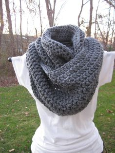 Seamless Crochet Infinity Cowl Scarf in Grey