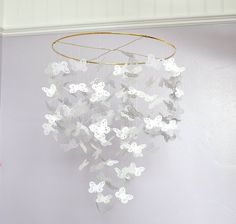 New Diy Paper Mobile Tutorials Origami Butterfly Ideas Crafts To Do, Crafts For Kids, Paper Crafts, Diy Crafts, Diy Paper, Butterfly Mobile, Origami Butterfly, Butterfly Baby, Origami Birds