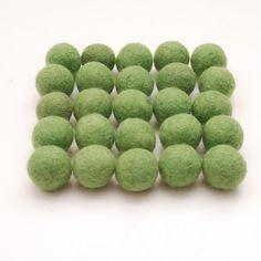 Felt Balls- 25 count- 2.5cm Wool Felt Balls- Spring Green