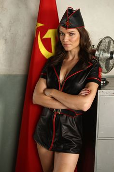 Порно комикс девушек из cc red alert