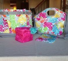Thirty One Easy Breezy & Perfect Party Set in Island Damask!  Little Carry All Caddy in Pink Circle Spirals.