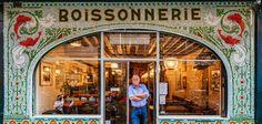 """Paris est une ville pleine de charme, qui peut compter sur une architecture unique et des petites boutiques très singulières. Après avoir réalisé des projets créatifs connus tels que """"Parisian Floors"""" ou encore """"London Floors"""","""