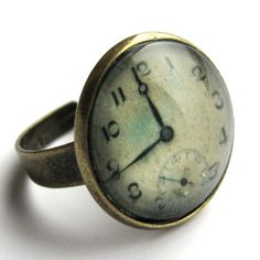 Vintage Clock Ring -- OH. MY. GOD! ...I NEED THIS!
