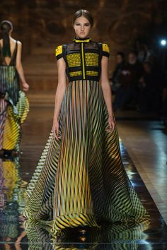 Oscar Carvallo Spring 2014 Couture