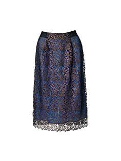 С чем носить кружевную юбку зимой?
