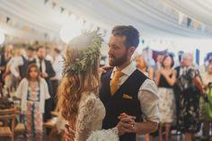 Country Fete Ukrainian Wedding with Wild Flowers & Inbral Dror Gown Trendy Wedding, Wedding White, Dream Wedding, Wedding Things, Wedding Stuff, Wedding Ideas, Ukrainian Wedding Traditions, White Bridesmaid Dresses, Wedding Dresses