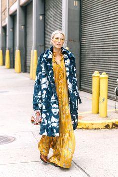 Street Style From New York Fashion Week, Day 2 Fashion Week, Boho Fashion, Winter Fashion, Fashion Outfits, Fashion Design, Fashion Trends, Paris Fashion, Fashion Lookbook, Street Fashion