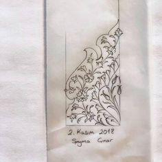 #istanbultasarımmerkezi #tezhip #atölyesi 🍁 Oriental Art, Islamic Art, Art Drawings, Drawings, Triangle Tattoo, Painting, Art, Prints, Pattern Art
