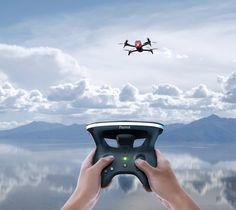 Die perfekte Kombination für einen Immersions-Flug der seines Gleichen sucht. Ihre Parrot Bebop 2 FPV - Drohne eröffnet Ihnen ganz neue Möglichkeiten in Kombination mit dem neuen Parrot Skycontroller 2 und den Parrot Cockpitglasses.
