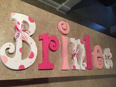 Colgante Letras de vivero, vivero cartas, cartas de infantiles bebé niña, rosa, luz Letras de dormitorio rosa y blanco, pared, decoración cuarto de niños