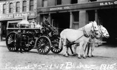 A horse-drawn fire-engine from 1915
