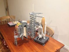Revell 1/144 Discovery and Launch Tower