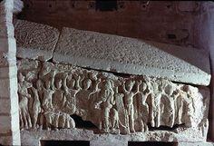 agilbertov sarkofag u u crkvi Sv. Pavla u Jouarreu, 2.po.7.st.