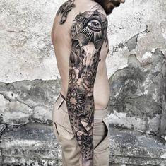 Eye of providence, bull skull, sleeve tattoo. Black Sleeve Tattoo, Skull Sleeve Tattoos, Best Sleeve Tattoos, Owl Tattoos, Tattoo Black, Fish Tattoos, Trendy Tattoos, Tattoos For Guys, Tattoo Son