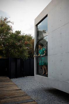 515479f3b3fc4b17f20000a8_2g-house-s-ar-staci-n-arquitectura-_casa_2g_by_s-ar_-_3.jpg (669×1000)
