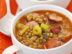Ob mit Fleisch, Fisch, vegetarisch oder vegan - finden Sie hier leckere, gesunde Rezepte für Linseneintopf