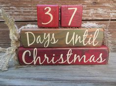 Vintage Christmas Countdown Blocks Advent Green Red from DaisyBlossomCreation on Etsy. Days Till Christmas, Christmas Countdown, Christmas Holidays, Christmas Quotes, Christmas Signs, Vintage Christmas, Chritmas Diy, Reindeer Decorations, Christmas Decorations