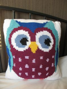 Tunesian Crochet Owl Pillowcase 2 by Nina Hollfelder