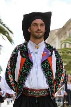 Sardinian traditional costume - bent72photos
