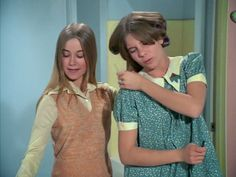 Marcia in groovy yellow blouse with peach-tones sweater-vest Marsha Brady, Robert Reed, Maureen Mccormick, The Brady Bunch, Yellow Blouse, Old Tv Shows, Thats The Way, Favorite Tv Shows, Childhood Memories