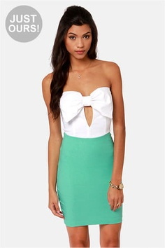 Love this summer dress. White top and turquoise bottom with a cutout in the middle
