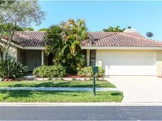 Single-family home for sale in Weston, Florida. See it at http://www.donaldhughes.net/features.php?UserID=167