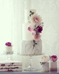 Cakes by Cotton & Crumbs