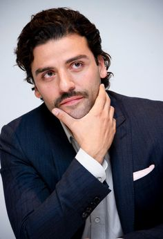 """Oscar Isaac at press conference for """"A Most Violent Year"""" at the Four Seasons Hotel in Beverly Hills, CA (November 18, 2014) / Photo by Vera Anderson"""