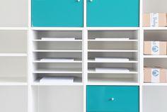 Das Ikea Expedit Regal ist, wenn es um die Unterbringung von verschiedensten Dingen geht, ein Multitalent. Oft ist das Fach des Regals aber zu groß, um bestimmte Dinge darin effizient aufbewahren zu können. Unser Postfach-Einsatz ELEGANT...