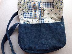 Bélelt farmer táska leírással, szabásmintával 120 Fanny Pack, Bags, Fashion, Hip Bag, Handbags, Moda, Fashion Styles, Waist Pouch, Fashion Illustrations