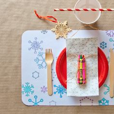 Liven up your kids' table with these fun, free, printable place mats. Decorate prior to the holiday or keep little hands busy during dinner.