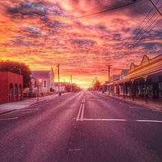 Sunrise over the main street of Latrobe, in Tasmania's North West, thanks to @streets_of_australia. Dating back to the 1820s, Latrobe was once the main port of the North West. These days it's a lot more peaceful, but comes alive with numerous festivals throughout the year, including Chocolate Winterfest, Henley-on-the-Mersey regatta, and the Latrobe Wheel Race. Latrobe is also known as the platypus capital of the world - with the Warrawee Forest Reserve as its centrepiece.