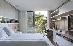Residência na Barra da Tijuca, 800 m² / Projeto de Interiores de Paola Ribeiro #bedroom