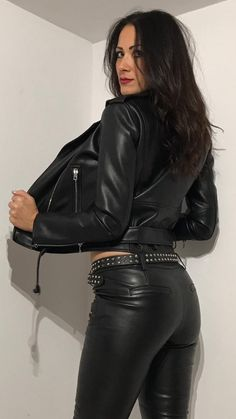 Shiny Leggings, Leggings Are Not Pants, Leather Dresses, Leather Pants, Black Leather, Black Catsuit, Models, Leather Fashion, Sexy Outfits