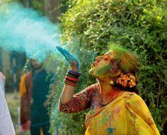 Holi festival, India Art for card Holi Festival India, Holi Festival Of Colours, Holi Colors, Festivals Of India, Festivals Around The World, Indian Festivals, Festival Photography, Girl Photography Poses, Fairy Photography