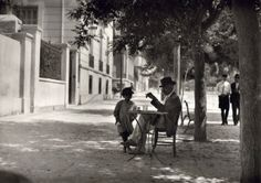 Old photos from Greece, old pictures from Greece of the interwar period, a life work of swiss photographer Fred Boissonnas. Greece Photography, Street Photography, Art Photography, Old Pictures, Old Photos, Vintage Photos, Greece Pictures, Magnified Images, Good Old Times