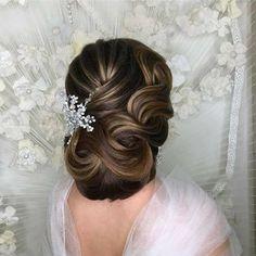 Scarf Hairstyles, Bride Hairstyles, Vintage Hairstyles, Down Hairstyles, Hair Scarf Styles, Hair Up Styles, Vintage Wedding Hair, Wedding Hair And Makeup, Retro Updo