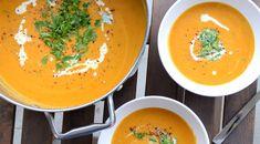 Připravte si zahřívací oranžovou polévku, která se hodí i do těch nejchladnějších dnů. Thajská batátová polévka s červenou čočkou a kokosovým mlékem. Asian Recipes, Ethnic Recipes, Asian Cooking, International Recipes, Soups And Stews, Soup Recipes, Thai Red Curry, Smoothies, Paleo