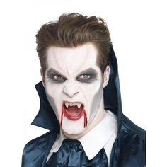 Como fazer uma fantasia de vampiro. Uma fantasia muito comum em todas as partes do mundo, seja para o Carnaval, Halloween ou qualquer outra festa de fantasias é o de vampiro ou vampira. Esta fantasia é bastante fácil de fazer em casa, p...