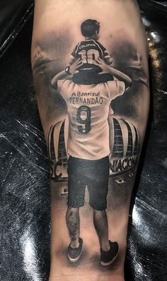 80 Tatuagens realistas para você se inspirar TopTatuagens is part of Sunflower tattoos Shoulder Ears - Sunflower tattoos Shoulder Ears Forarm Tattoos, Top Tattoos, Body Art Tattoos, Sleeve Tattoos, Tattoos For Guys, Quote Tattoos, Tattos, Father Daughter Tattoos, Father Tattoos