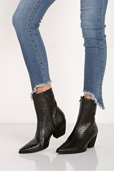 Matisse Caty Boot Western Trend Embossed Snake Black Western Bootie