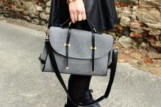 Vintage Shoulder Bag - perfect for school or to transport your computer c: