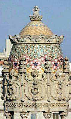 @PinFantasy - Gaudí,  Barcelona ~~ For more:  - ✯ http://www.pinterest.com/PinFantasy/arq-~-antoni-gaud%C3%AD/