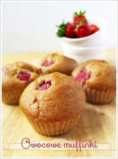 Letnie muffinki z malinami i jeżynami.