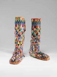 Africa | Royal boots from the Yoruba culture (Nigeria, Republic of Benin).  ca. 19th century | Glass beads, cloth, leather
