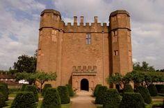 Kenilworth Castle wedding venue in Kenilworth, Warwickshire