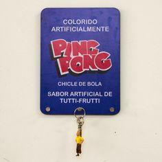 Designn Maniaa >> Porta Chaves ou Pano Ping Pong >> porta chaves; porta pano de prato; retro; retrô; vintage; dulcora; chicletes ping pong; madeinbrazil